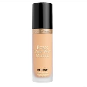 Too Faced BTW 24-Hour Foundation in Light Beige